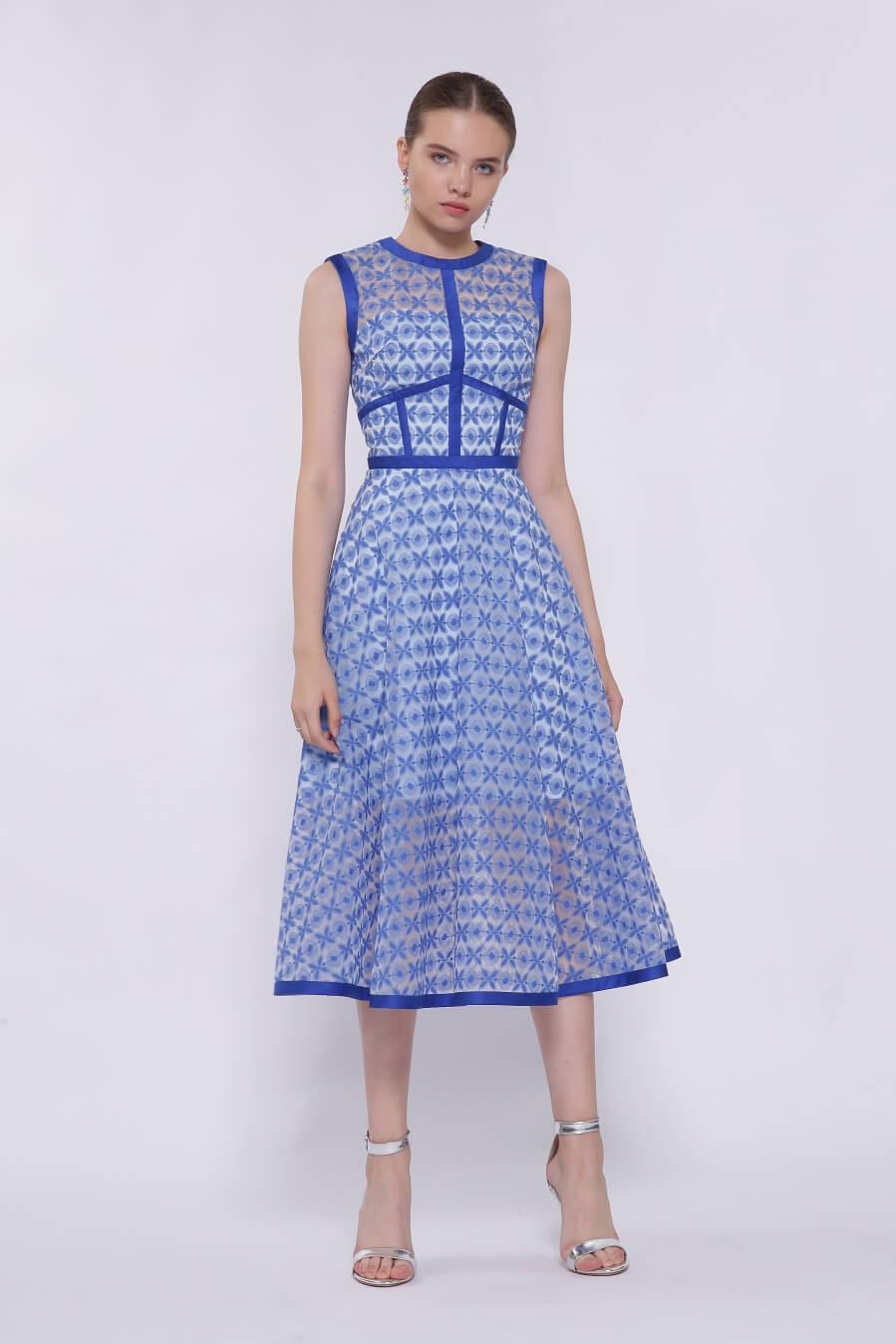 0cb69e219be Голубое коктейльное платье миди BN2170